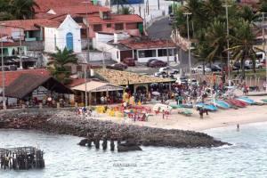 d10a64cbe298 A praia da Redinha é porto pesqueiro quando cada manhã é recheada de  jangadas ao sabor do mar, onde o pescador faz pajelança nas gamboas do  Potengi, ...