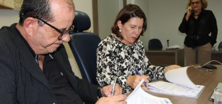 FJA e UFRN firmam parceria para cooperação cultural