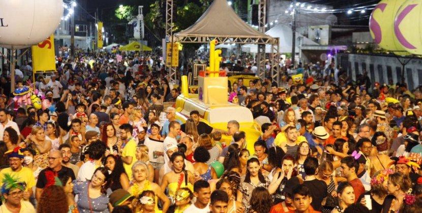 10 prévias carnavalescas gratuitas para você curtir de quinta a domingo