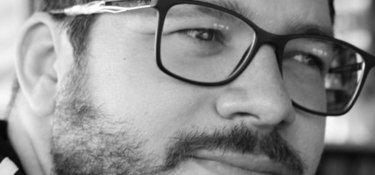Escritor Theo G. Alves lança seu quarto livro de poemas