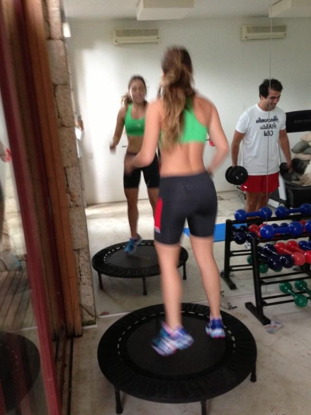 Dançar no pula pula é melhor do que pular corda..