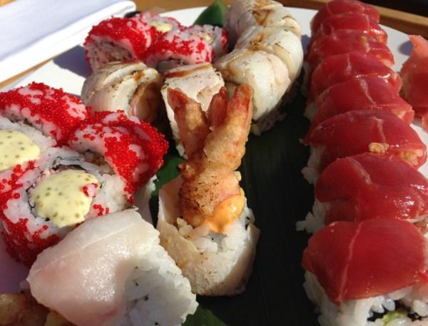 Sushi no almoço do lindo e novo hotel Destino Ibiza