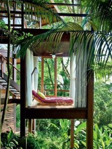 Awesome Treehouse Masters Design Ideas 20