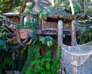 Awesome Treehouse Masters Design Ideas 33