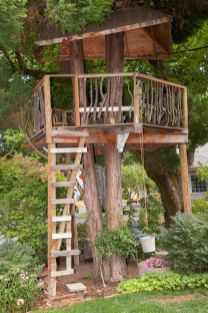 Simple Diy Treehouse For Kids Play 21