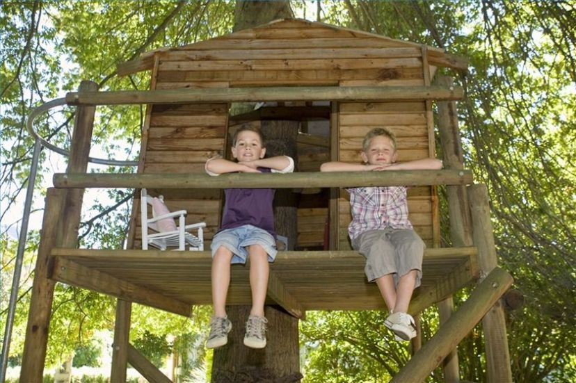 Simple Diy Treehouse For Kids Play 37