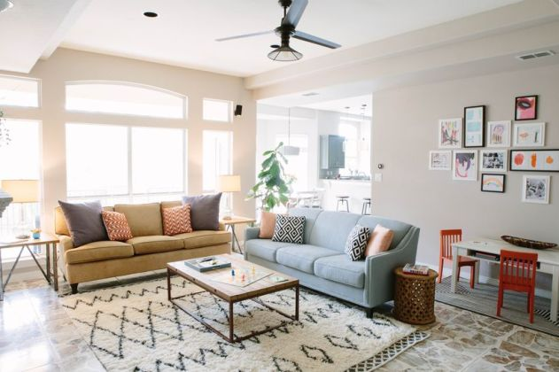 Cool Family Friendly Living Rooms Design Ideas 1