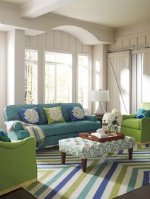 Cool Family Friendly Living Rooms Design Ideas 32