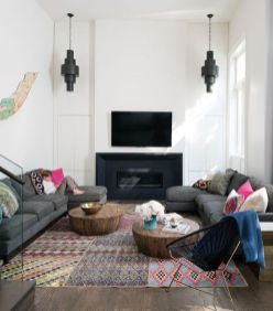 Cool Family Friendly Living Rooms Design Ideas 36