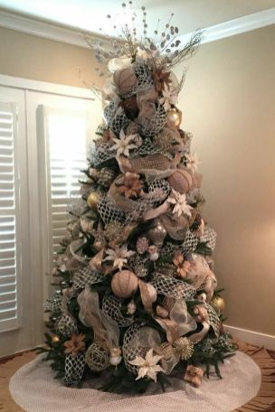 Gorgeous Chirstmas Tree Decorations Ideas 2019 6
