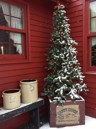Amazing Christmas Porch Ornament And Decorations 3