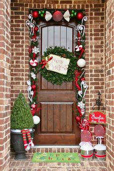 Amazing Christmas Porch Ornament And Decorations 31