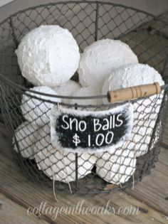 Creative Fake Snow Ideas For Chirstmas Decorations 8