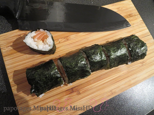 Maki traditionnel au saumon.