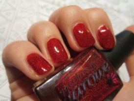 01 Red Nails