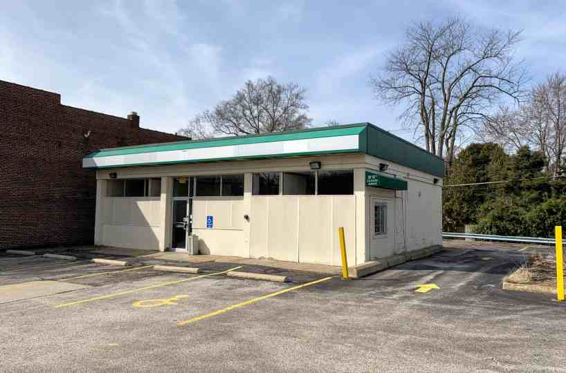 Pappas Realty Co. Retail Building Cuyahoga Falls For Rent and For Sale