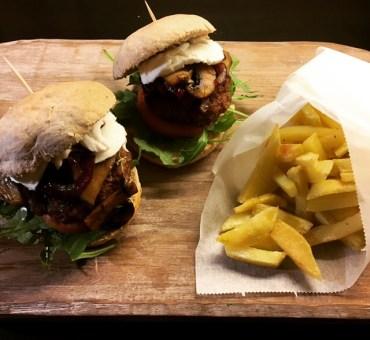 Mini burgere & stekte poteter