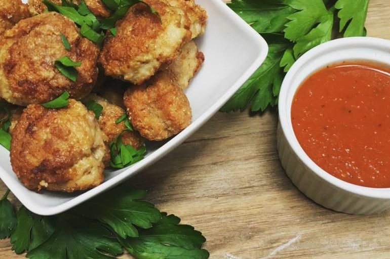 Kyllingboller & spicy tomatsaus