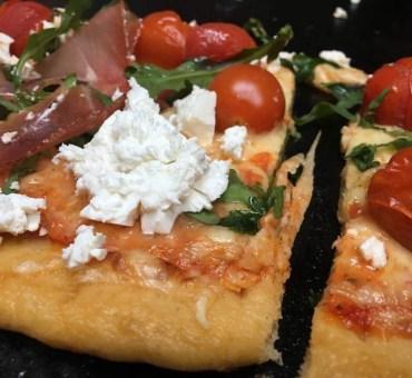Deilig glutenfri pizza med sprø bunn
