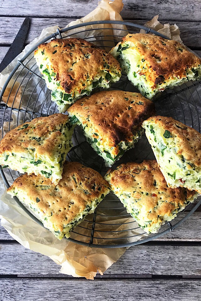 glutenfrie scones med feta og spinat