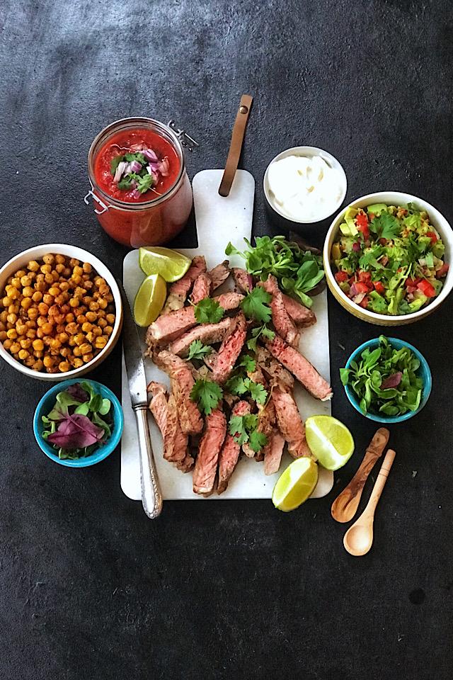 Tacokveld med hjemmelaget tacosaus, guacamole, tortilla og ytrefilet
