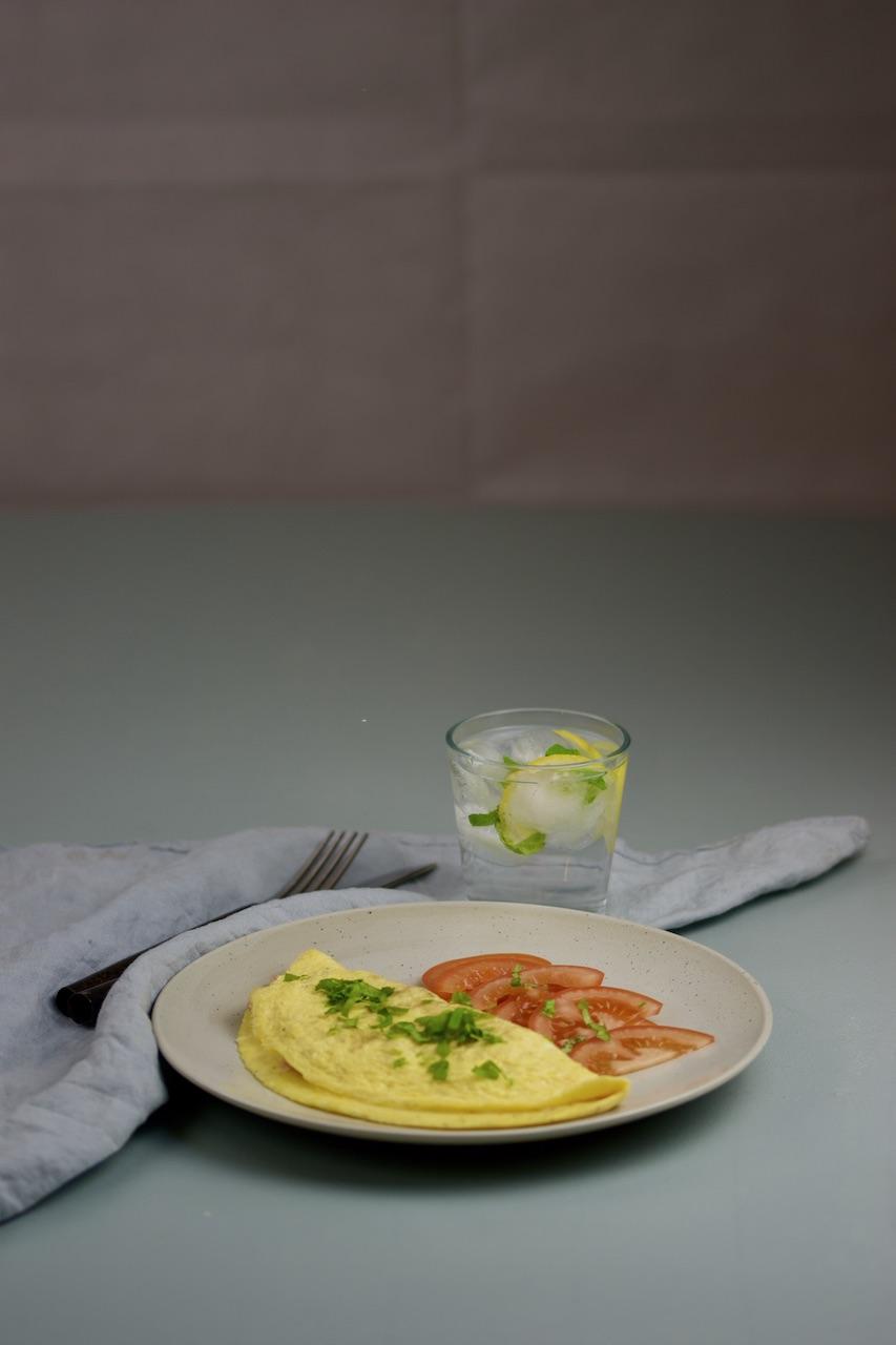 Barnas kjøkken: omelett med ost og skinke
