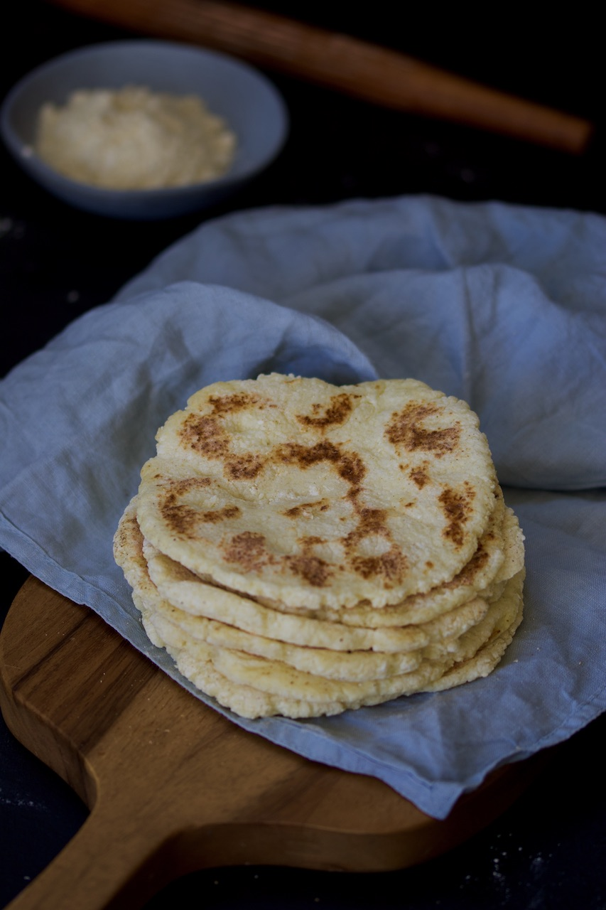 Greek yoghurt- pita bread
