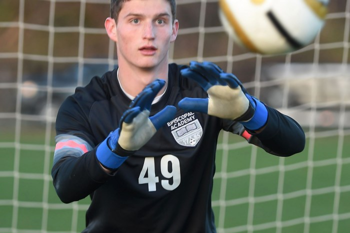 From Episcopal Academy to Manchester United, goalie Freese staying grounded