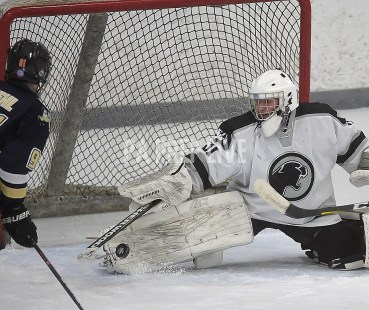 ICE HOCKEY: Sun Valley vs Strath Haven