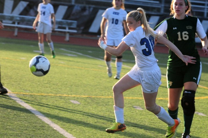 Ally Wojton free kick sends Conwell-Egan girls soccer to PIAA win over Notre Dame ES (VIDEO)
