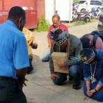 Doa Bersama Pelepasan Mantan Dandim Raja Ampat, Josef P. Kaiba di Falaya, Selasa (24/11). PbP/TLS