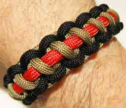 Paracord Bracelet Cobra Chain by Dakota Gear