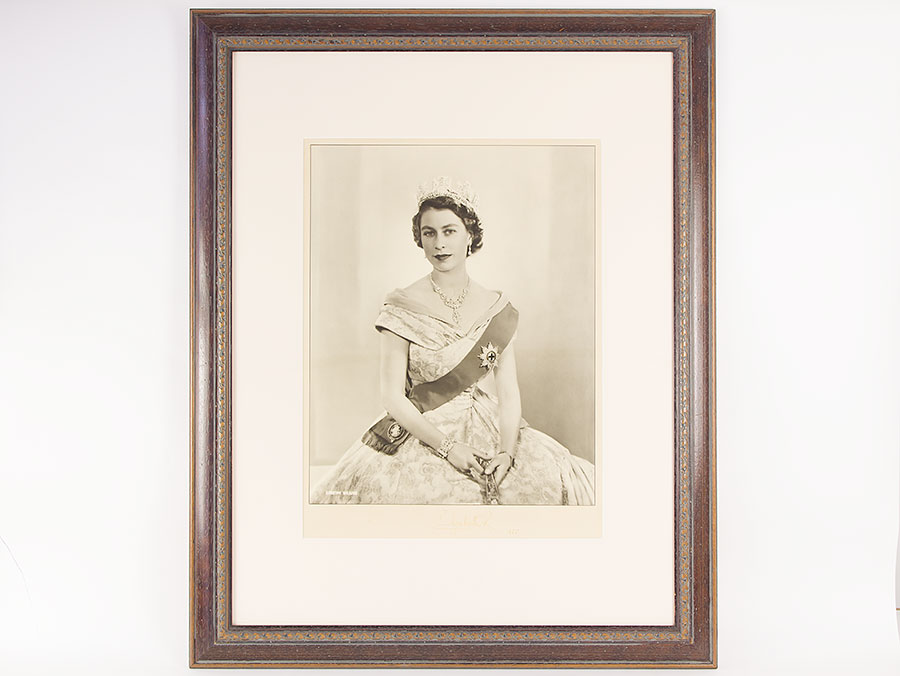 Large Signed Photo Of Queen Elizabeth II By Dorothy