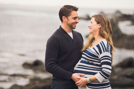 Maternity session by the sea Paradis Photography Maine