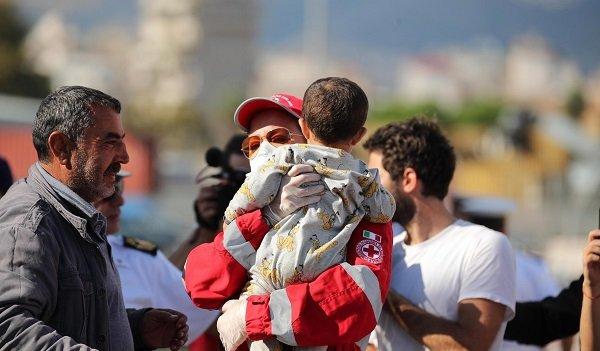"""Хуманитарната помощ, която променя животи в """"Чекпойнт"""" от Жан-Кристоф Рюфен [откъс]"""