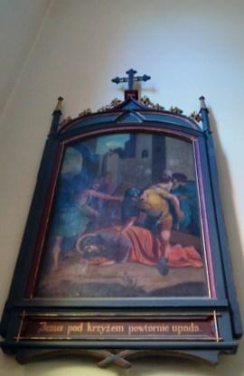 7. Jezus pod krzyżem powtórnie upada