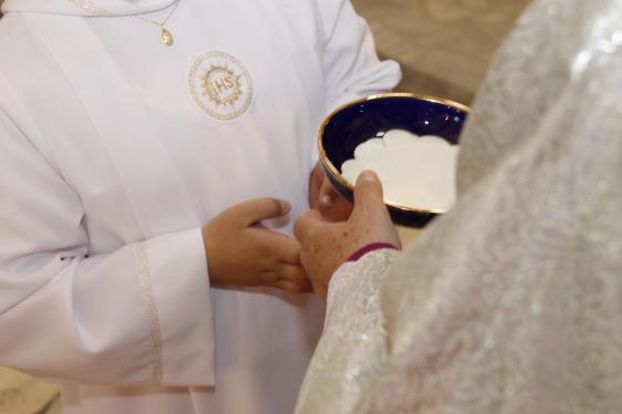 Chleb, który podczas Najświętszej ofiary stanie się Ciałem Chrystusa