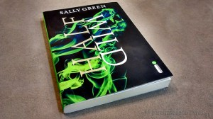 Half Wild - Sally Green - Black Side