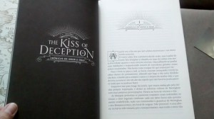 The kiss of deception - miolo