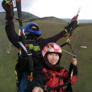 paragliding tandem before the rain