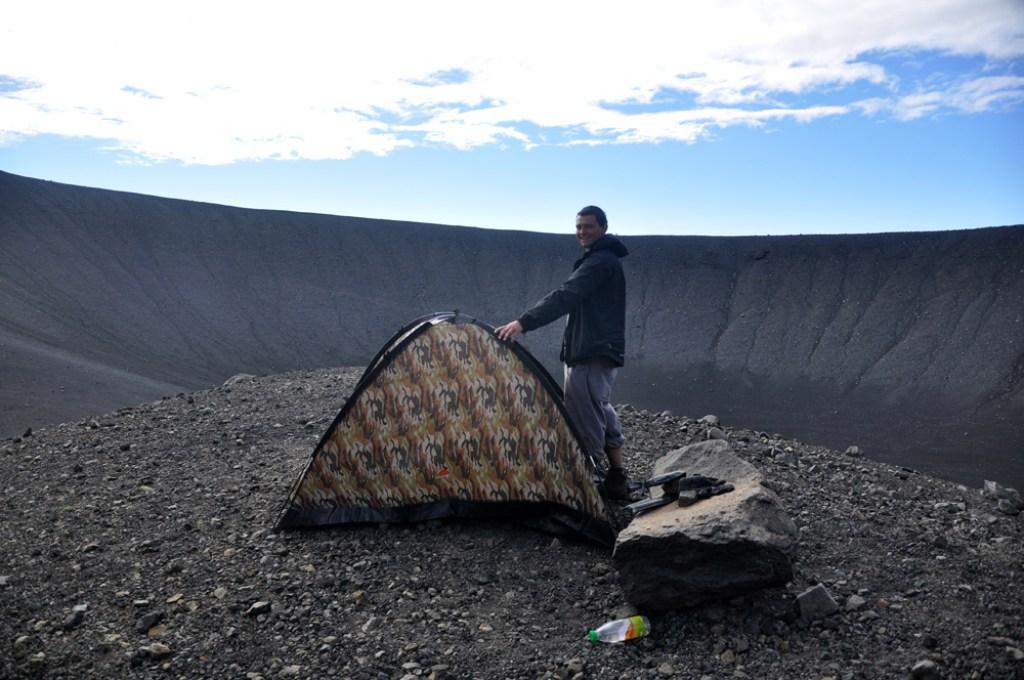 nocleg w kraterze