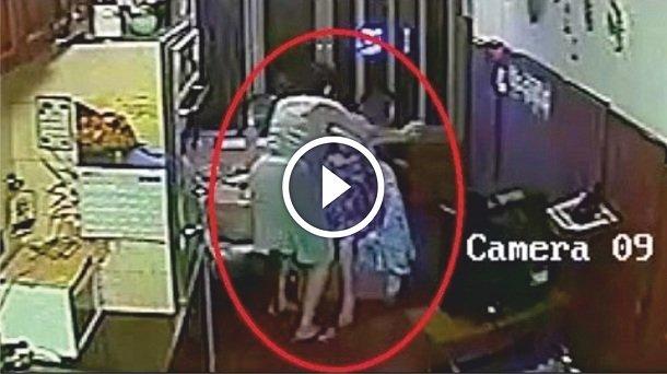 Paraguaya maltrata a anciana y es pillada por las cámaras (VÍDEO)