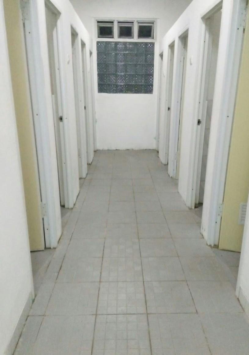 Kamar Mandi dan WC tersedia 10 setiap lanai