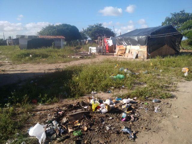 Bairro das Indústrias vive cenário de retrocesso e sequer coleta de lixo é regular