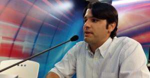 """Parlamentar rebate Cartaxo: """"pare de viajar e tente fazer algo pela cidade"""""""