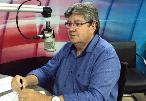 SÓLIDO: Azevêdo garante que projeto do PSB não muda com decisão de Cartaxo