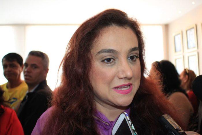 Ex-secretária de JP, Olenka revela desconforto com cobranças de Cartaxo