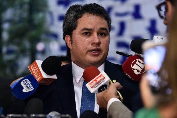 Efraim defende PL que destina recursos de loterias federais para educação básica