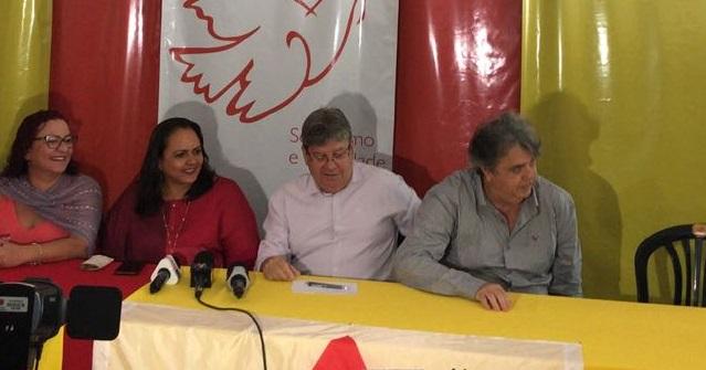 João Azevêdo garante à Lídia Moura: