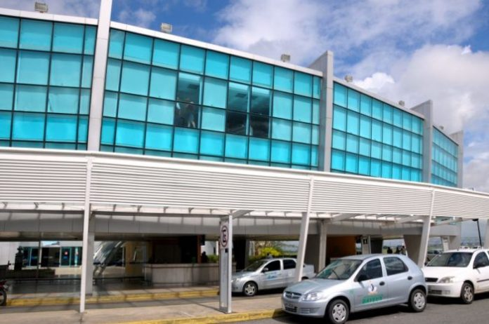 Aeroporto Castro Pinto fica sem combustível e voo é cancelado